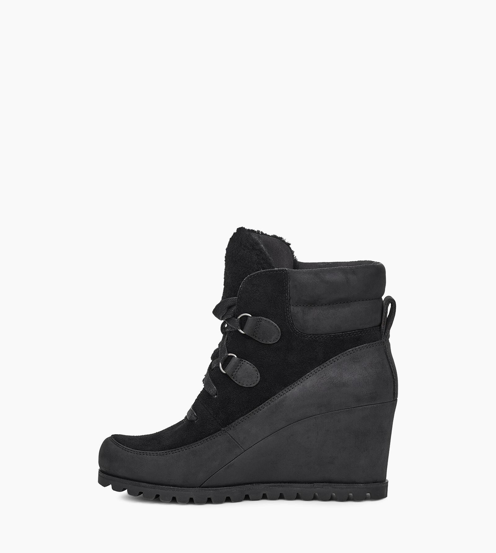 Valory Boot